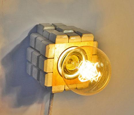 WAVE Tischlampe_ 10m x 10cm x 10cm_ Edison Vintage Glühbirne 40W_  LeInentextilkabel_ Preis: 80€