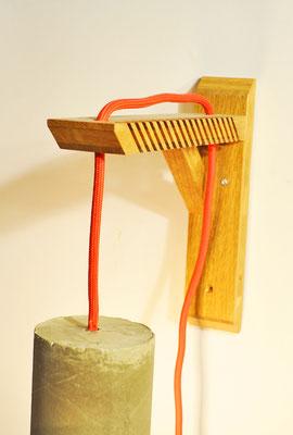 OAK GIBBET #3 Wandampe_ Eiche_ 23cm x 14cm x 5cm_  Edison Vintage Glühbirne 40W_ Rotes Textilkabel_ Preis: 90€