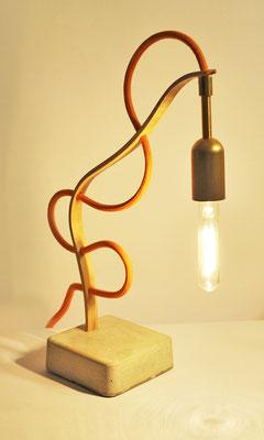 HANGING LOOSE Tischlampe_ BAMBOO_MESSING_ 34m x 10cm x 10cm_ Edison Vintage Glühbirne 25W_  Oranges Textilkabell_ Preis: 110€