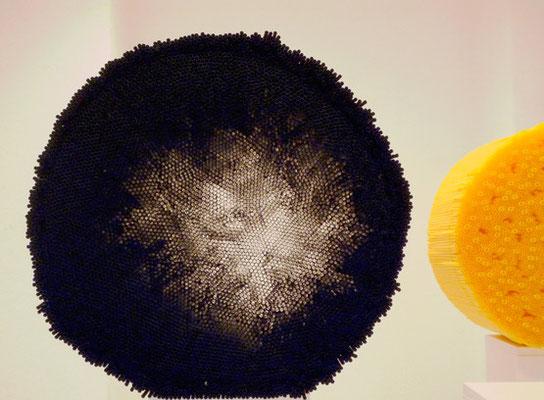 Schwarzes, Plastikhalme, ca.24 x 45 cm, 2008