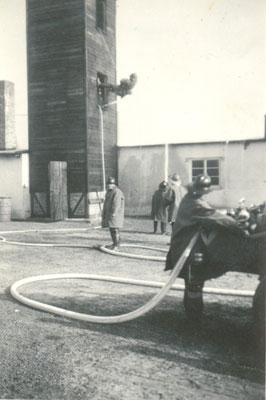 Roland Hynitzsch bei der Feuerwehr -  Sammlung Roland Hynitzsch, Digitale Leihgabe ans ONLINE-MUSEUM BAD NAUHEIM, Foto: Beatrix van Ooyen