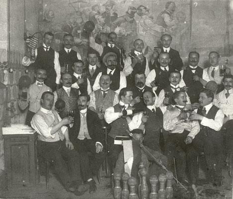 """""""Genfer Kegelklub """"Freie Stecher"""", Bad Nauheim, Saison 1911 im Gasthaus Alt-Heidelberg in Bad Nauheim"""", Foto von Familie Werle, Online-Museum Bad Nauheim"""