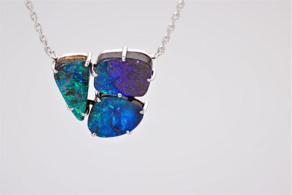 collier or blanc 3 opales boulder d'Australie