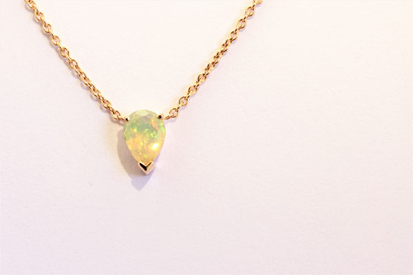collier or rouge opale ethiopie poire facétée
