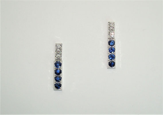 boucles d'oreilles or blanc , saphirs et diamants