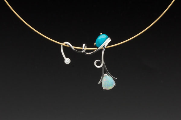 pendentif or blanc cabochon turquoise et opale du Brésil, diamant