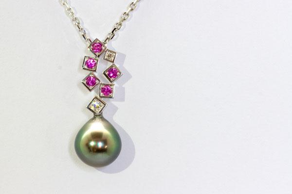 pendentif or blanc perle de tahiti, diamants et saphirs roses