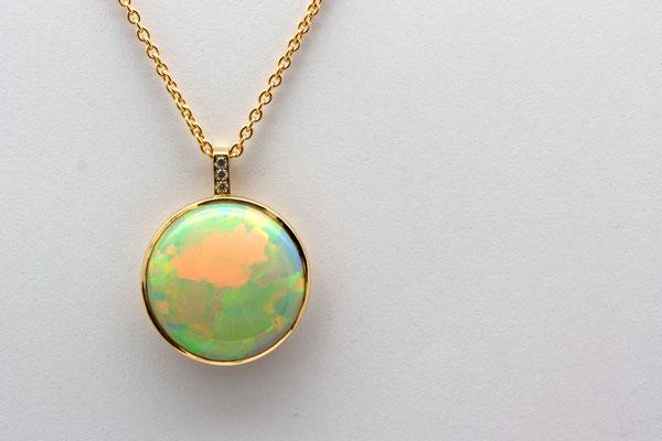 pendentif or jaune opale welo Ethiopie et diamants