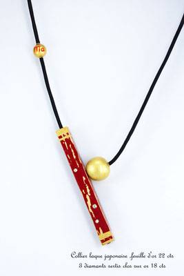 collier en laque japonaise, feuilles d'or fin et diamants