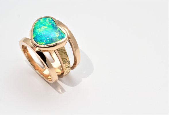 bague or rouge opale cristal Australie