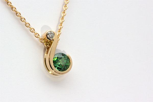 pendentif or jaune diamant et grenat démantoïde