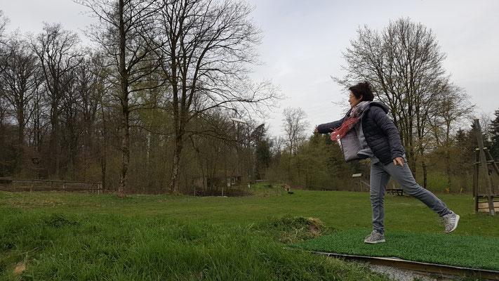 Der erste Wurf von der Bahninhaberin Sabine Kaiser