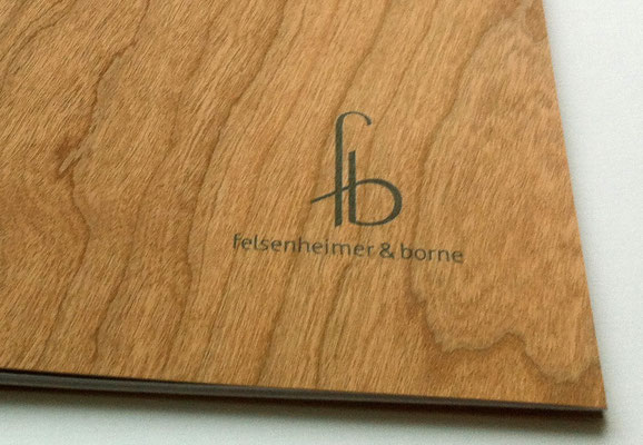 Booklet und Visitenkarten: Siebdruck auf Holz