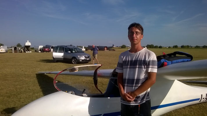 My son Alessandro right after his first flight on a monoplace : His M100S !!