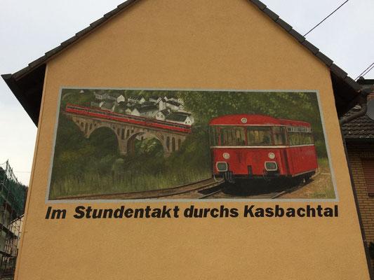 Fassadenmalerei Kasbachtalbahn
