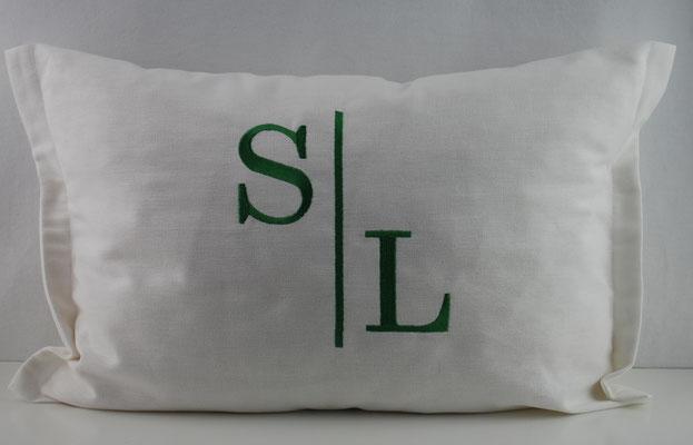 Baumwolle naturweiß ,Stickerei  grün Nr. 1050