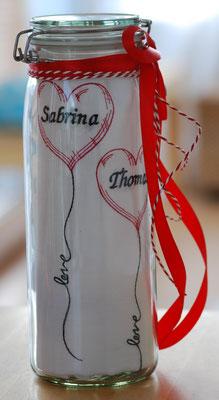 Küchentuch mit Herzballons und extra Namen plus 5,-€