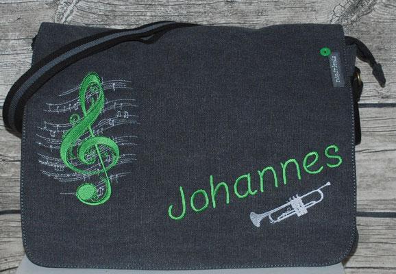 vintage schwarze Tasche mit Trompete