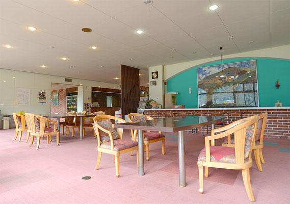 5. コーヒータイムや研修の休憩でゆったり、本館ロビーラウンジ スタッフのミーティングにも使えます。