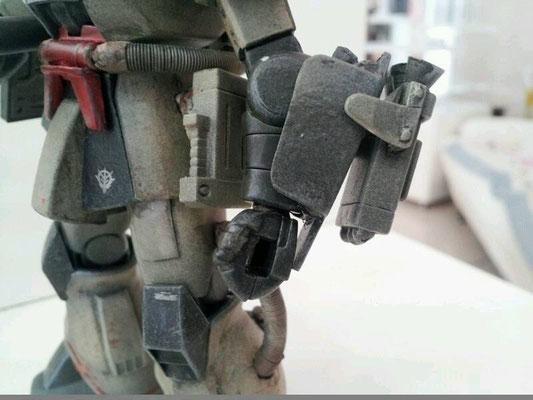 左腕…武器2