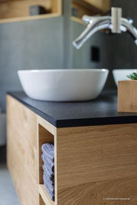 Unterschrank Waschtisch mit Natursteinplatte