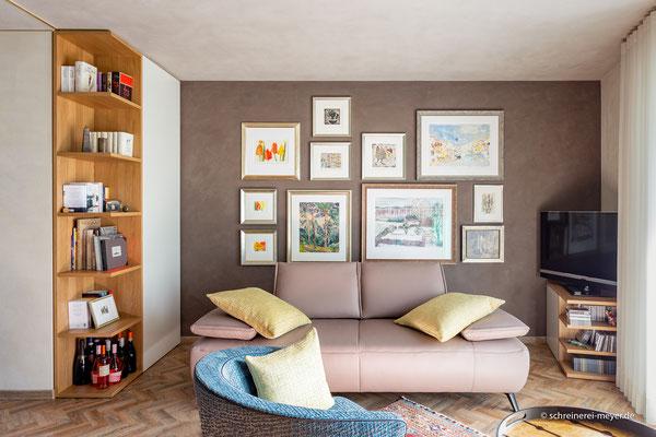 Raumhohes Einbaumöbel und TV-Möbel
