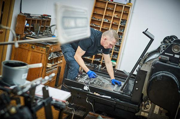 Weiterverarbeitung in der Buchbinderei  Satzdruck