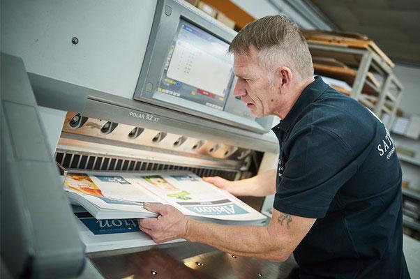 Weiterverarbeitung von Drucksachen bei Satzdruck im Münsterland