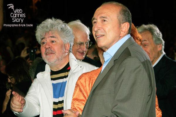 Gérard Collomb et Pedro Almodovar - Festival Lumière - Lyon - Oct 2014 - Photo © Anik COUBLE