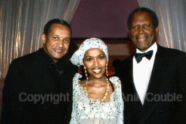 Abderrahmane Sissako , son épouse Maggie et Sydney Poitier 2006 / Photo : Anik Couble