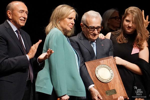 Gérard Collomb et Martin Scorsese entouré de sa femme et de sa fille - Remise du Prix Lumière - Festival Lumière - Lyon - Oct 2015 - Photo © Anik COUBLE