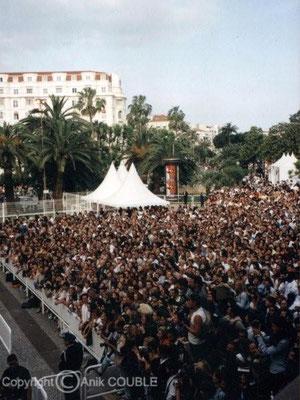 Foule Année 2000 / Photo : Anik Couble
