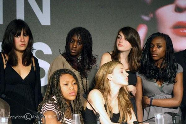 """Les actrices/élèves du film """"Entre les murs"""",  Palme d' Or  2009  / Photo : Anik Couble"""