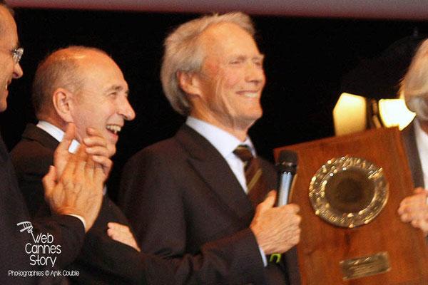 Gérard COLLOMB et Clint EASTWOOD - Lyon - Festival Lumière 2009 - Photo © Anik COUBLE