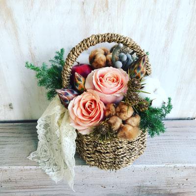 12月 長野  飯田1dayレッスン『クリスマスバスケットアレンジ(生花)』作り