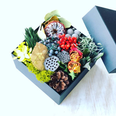 2018年12月 東京 表参道1dayレッスン ドライ&プリザを使った『おせちBoxアレンジメント』作り