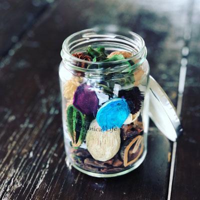 6月 〈長野 飯田 ワークショップ〉『香りを楽しむインテリアボトル』作り