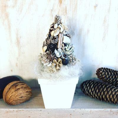 11月  東京 表参道1dayレッスン『ホワイトクリスマスツリー』作り