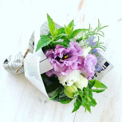 5周年イベント ワークショップ「ハーブと花のミニブーケ」作り