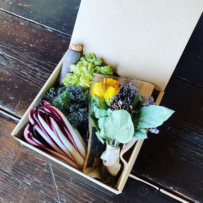 2020母の日ギフト「無農薬イタリア洋野菜とドライフラワーのセット(Sサイズ)」