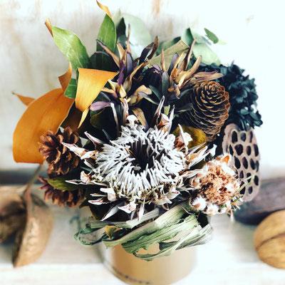 10月 長野 飯田1dayレッスン『プロテアと木の実のドライアレンジメント』作り