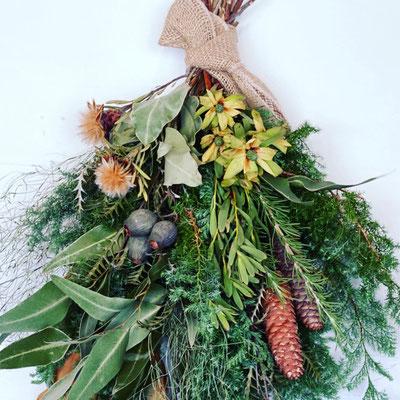 11月 長野 飯田1dayレッスン『フレッシュグリーンのクリスマススワッグ』作り
