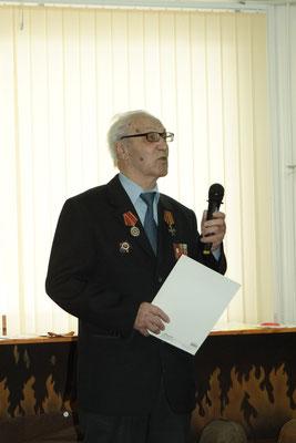 Председатель Совета ветеранов города М.А.Кандауров.