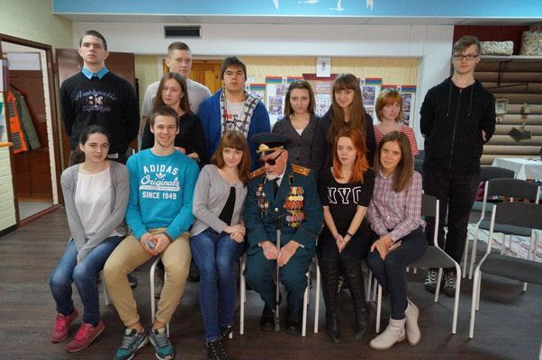 11 - Б класс на встрече с ветераном