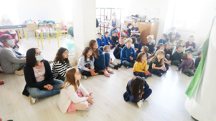 École Notre-Dame | Messe de rentrée, célébrée par le Père Olivier DEVAUX (25/09/2020)