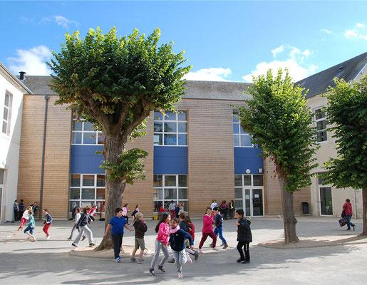 École Saint-Étienne | La cour du cycle 3 (CE2 à CM2)