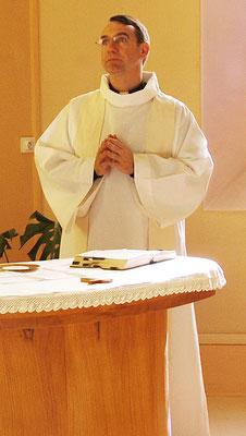 Le Père Quessard (Prêtre référent de l'ESBC)