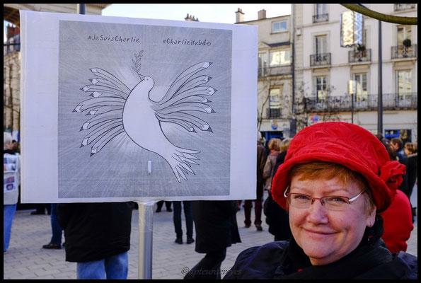 La plus belle des colombes. Merci Madame pour ce beau dessin très expressif