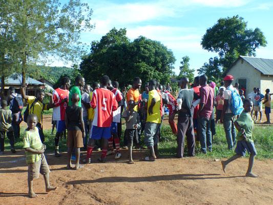 Fußballturnier in Bukaya