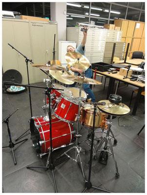 Tag 1: Aufbau Schlagzeug und Keyboards